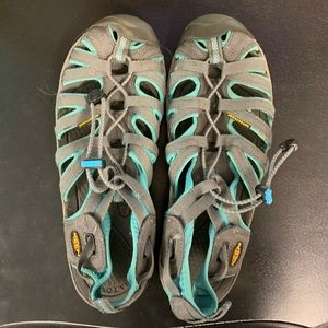 Gray and Teal Whisper Keens